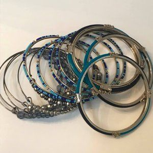 Blue Beaded Bangle Bracelets Mixed Metals New 13